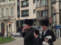 Jdeme do synagogy…foceno z auta telefonem Samsung