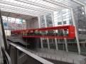 Nová část Antverpského nádraží s osiřelou restaurací a Pilsner Urquell
