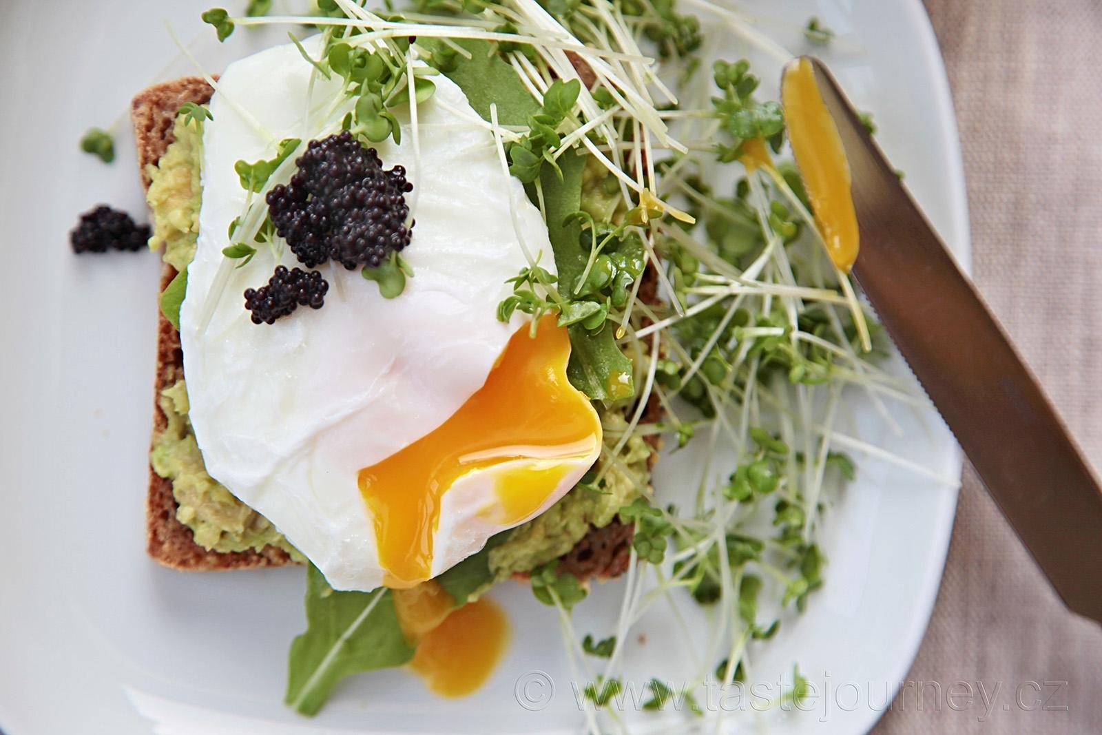 Se ztraceným vejcem, kaviárem a řeřichou