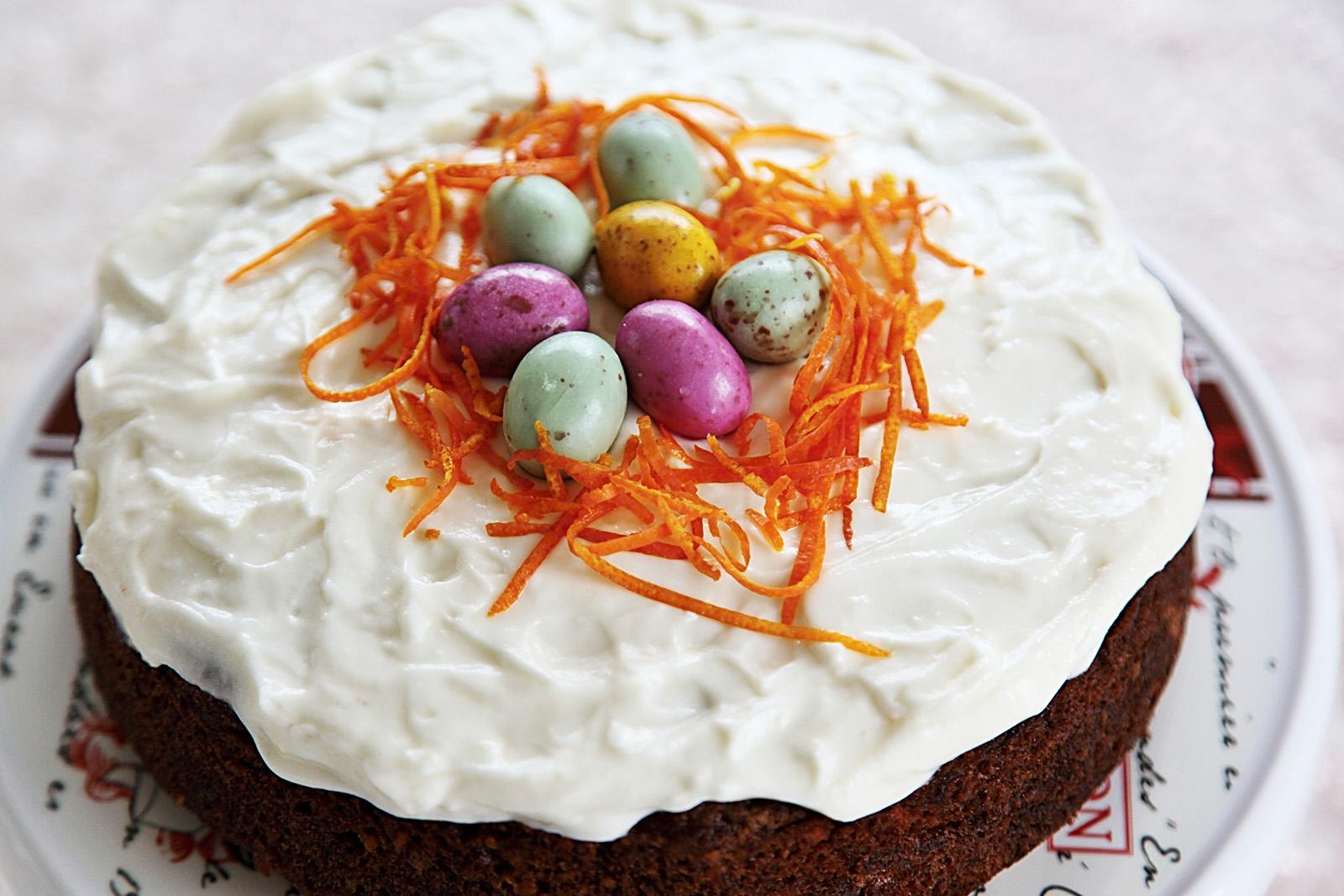 Mrkvový dort se hodí i jako svátečně velikonoční