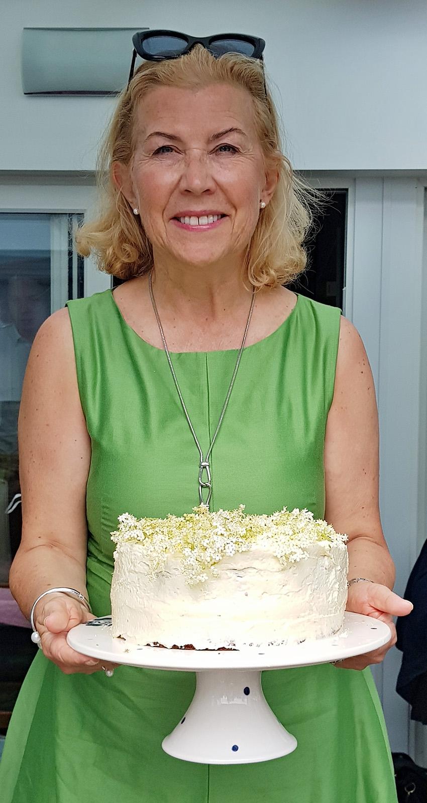 Bezinkový dort s máslovým krémem je fajnovým pochutnáním