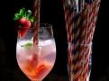 Letní Gin and Tonic s papírovými brčky
