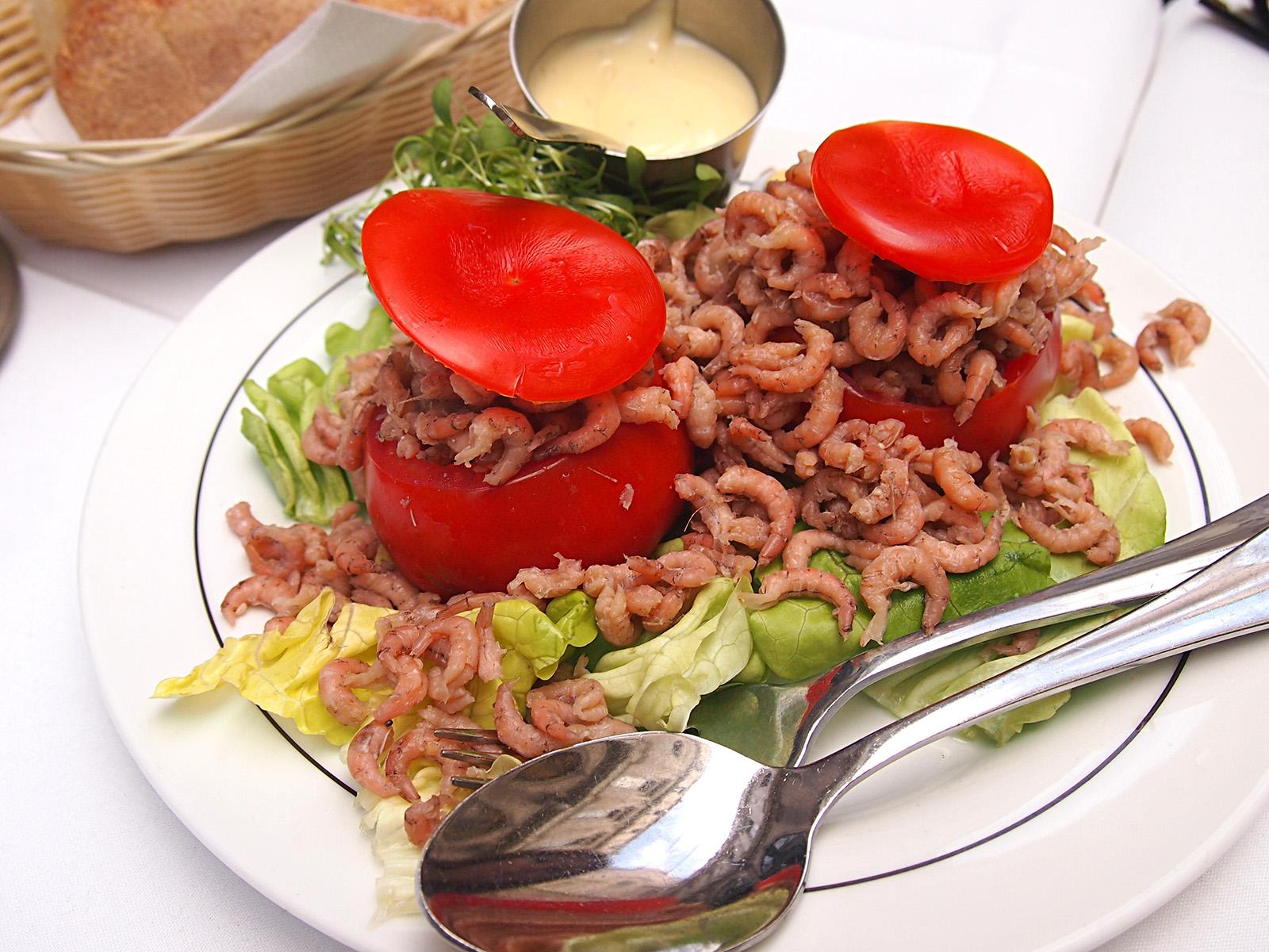 Plněná rajčata malými krevetkami jsou bruselskou specialitou