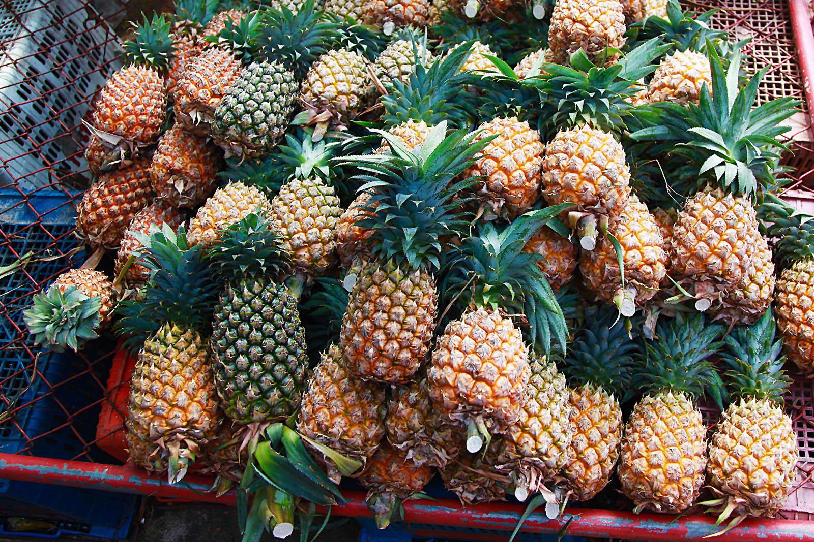 Čerstvý ananas je nezbytným doplněním  červeného kari