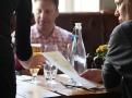Nedělní návštěva pubu je stále velmi tradiční záležitost