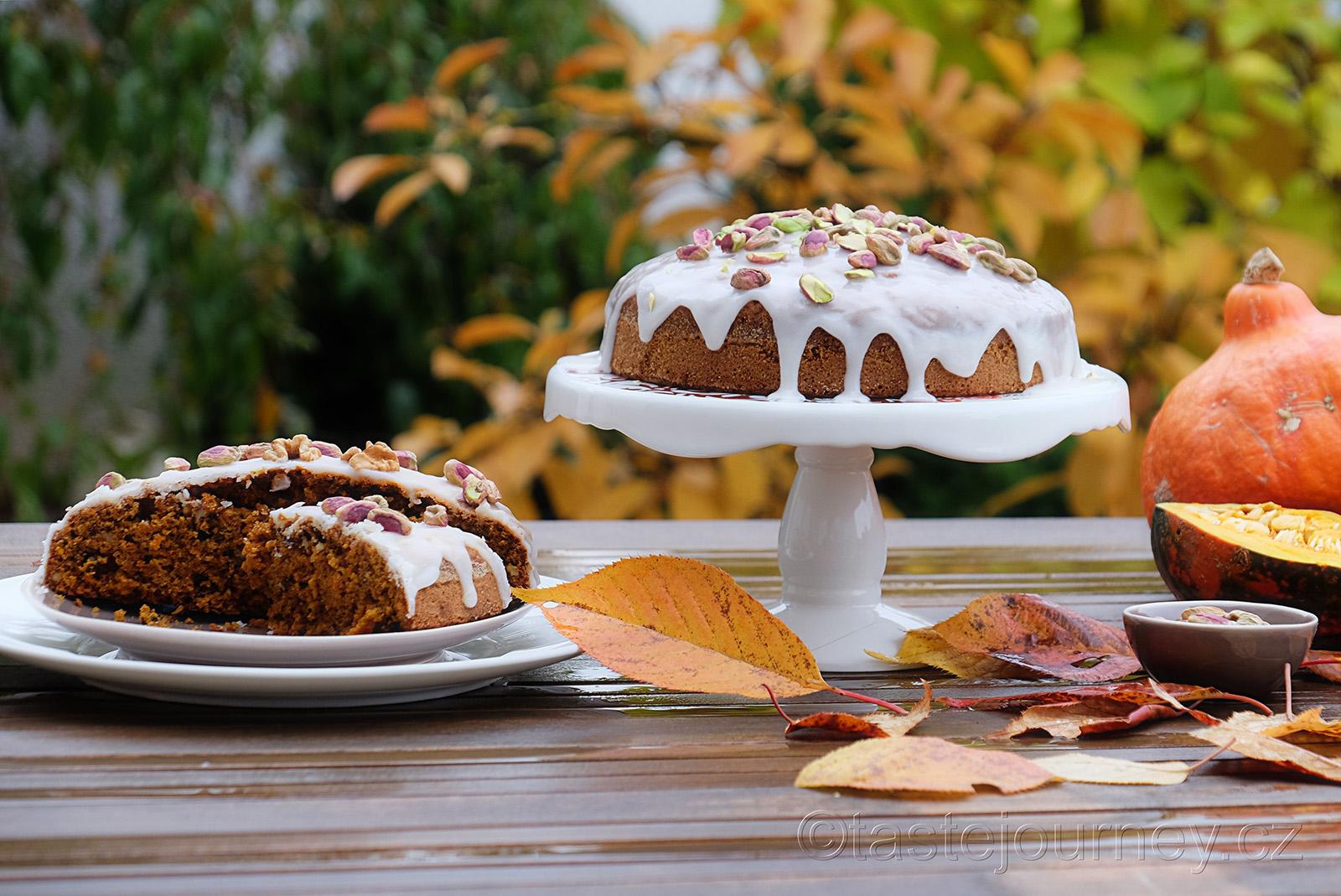 Ideální podzimní dort - mrkvový s dýní a ořechy