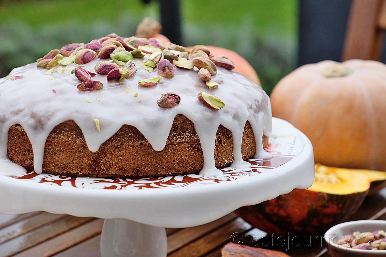 Voňavý, lahodný mrkvový dort s dýní a ořechy