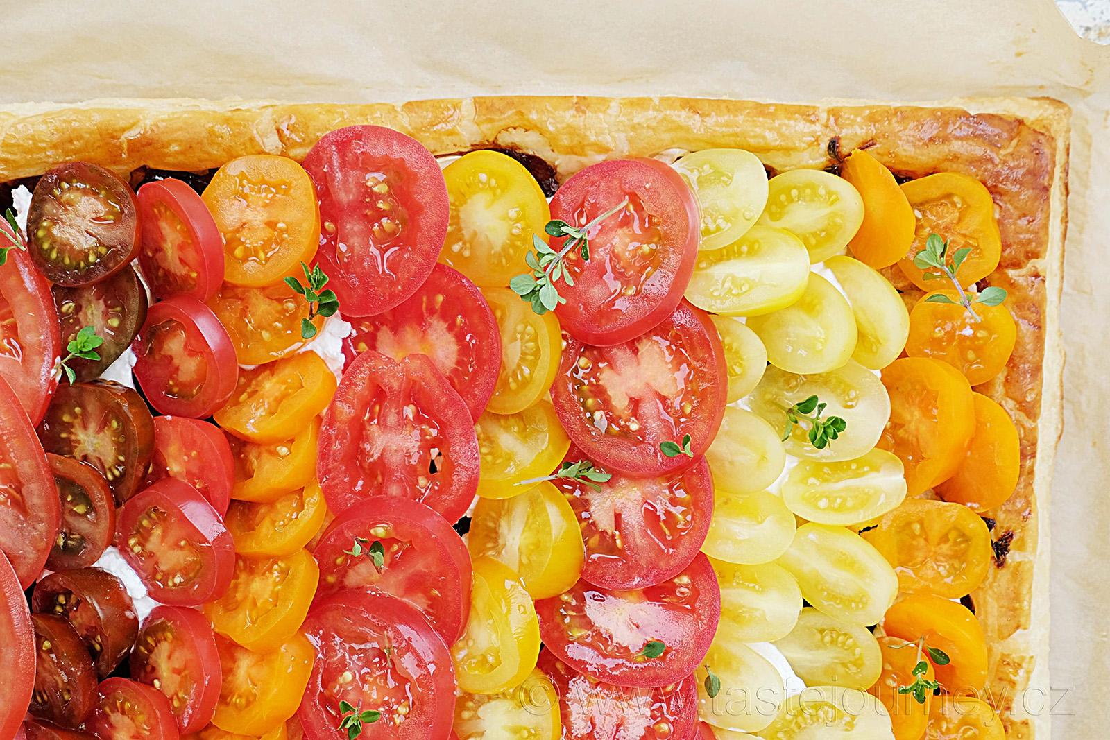 Různé druhy rajčat vytvoří krásný duhový efekt