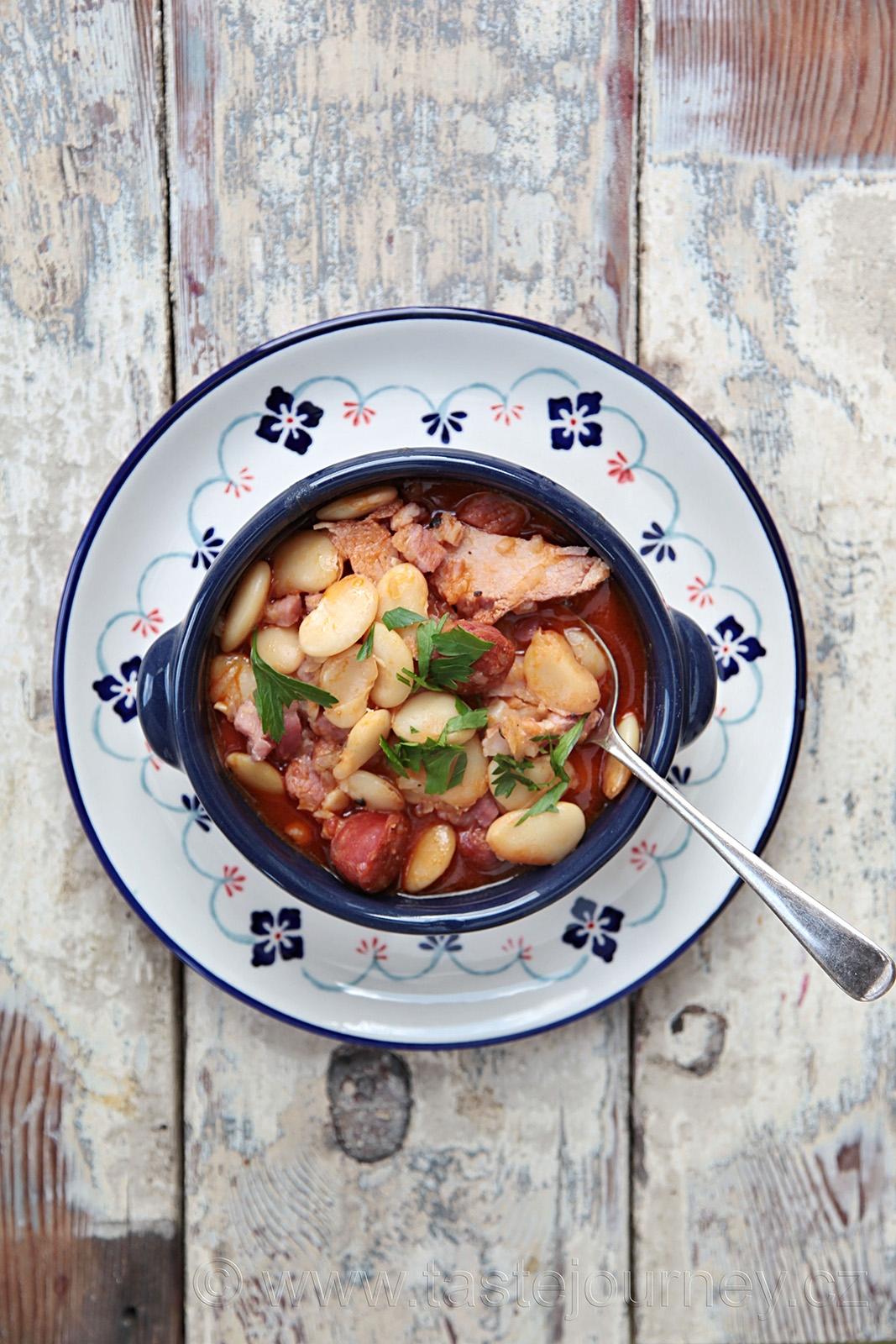 Vývar z fazolí v portugalském stylu!