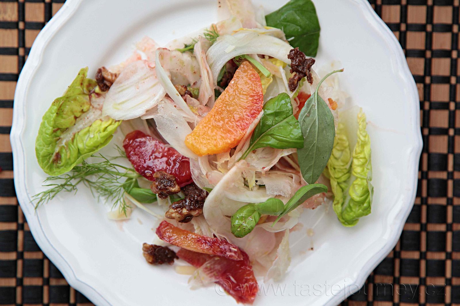 Ideální jarní probuzení- fenyklový salát s pomeranči a bylinkami