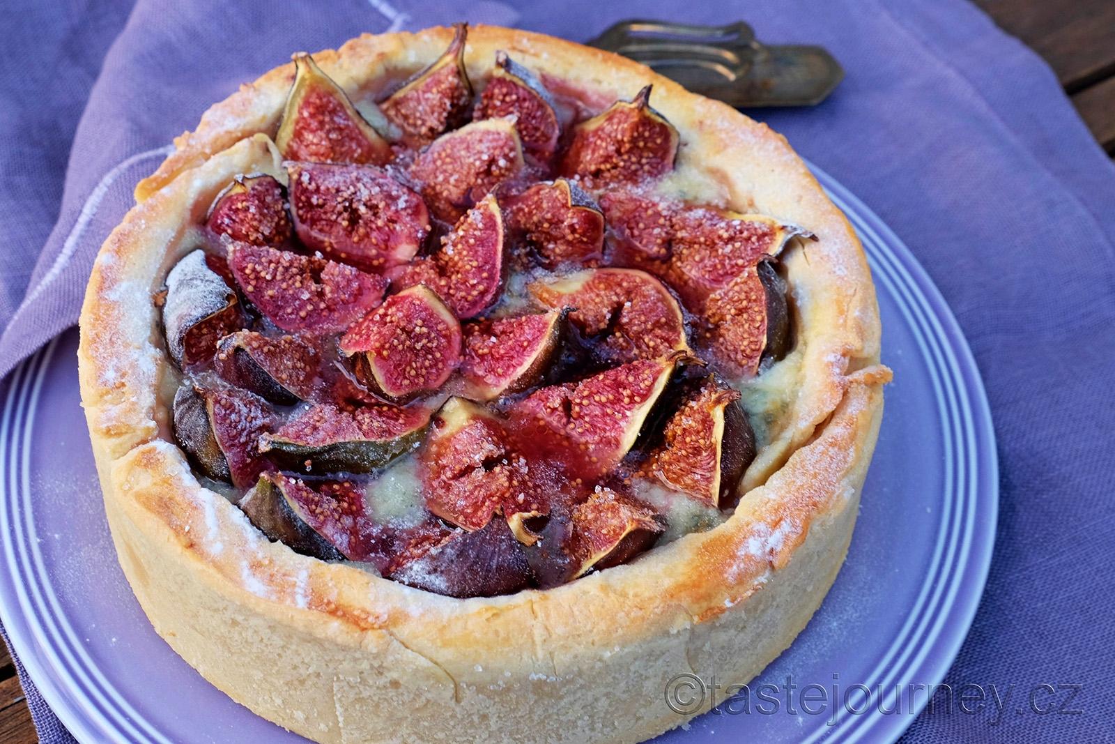 Fíkový koláč z křehkého těsta s gorgonzolou