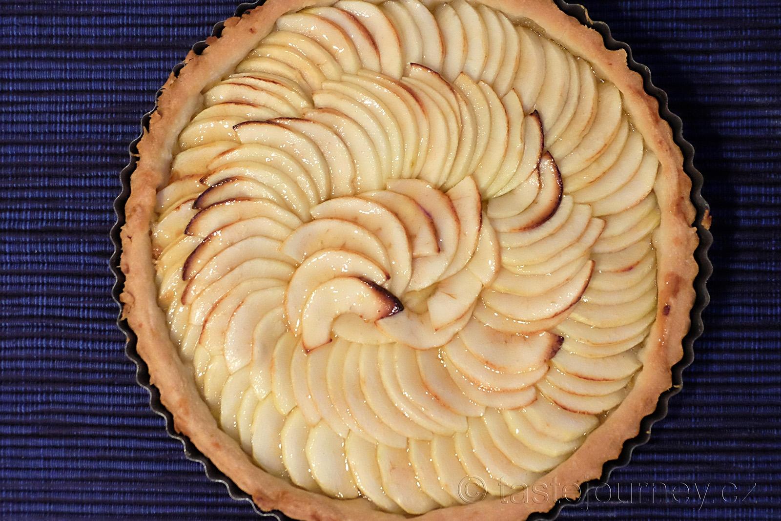 Jednoduchá klasika francouzský koláč s jablky