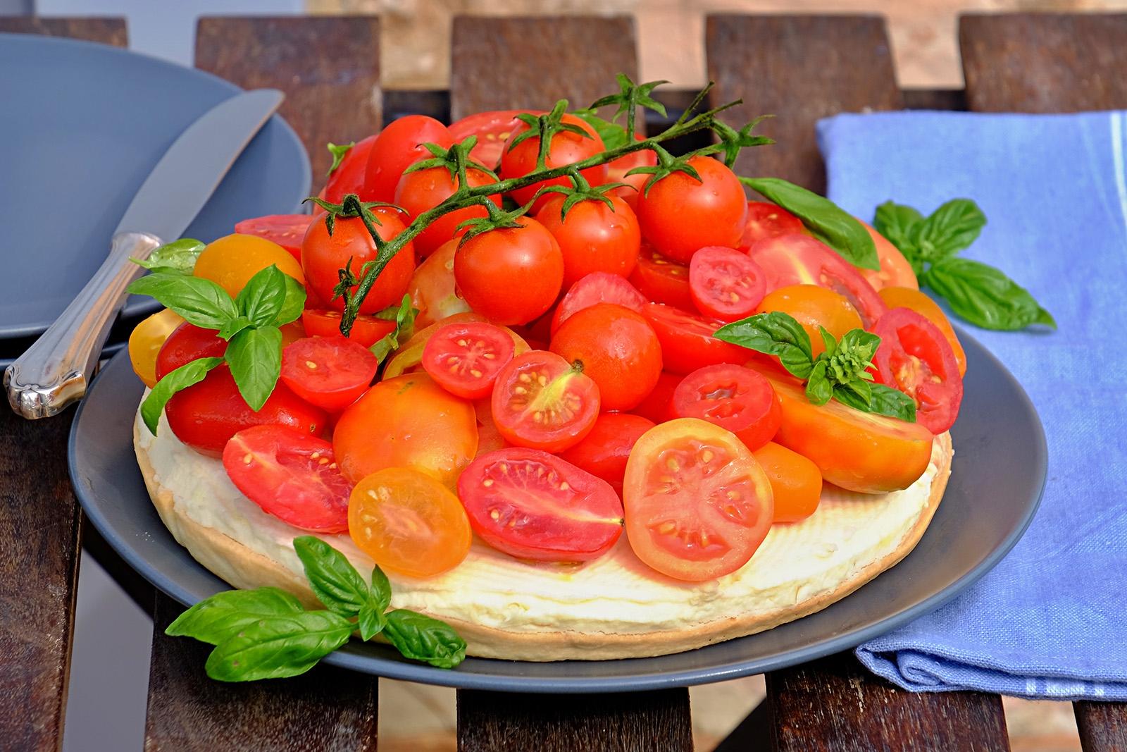 Italská letní záležitost. Cheesecake s rajčaty