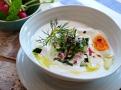Závěrečné zalití olivovým olejem dodá polévce chuť