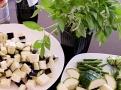 Lilek, zelenina a thajská bazalka - nezbytná zelenina pro kari