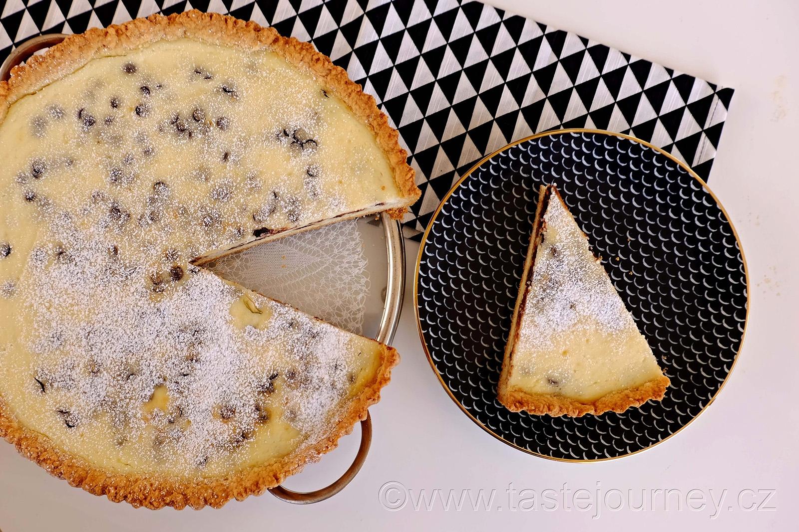 Korpus s přidáním vajíček a vláčná krémová ricotta s čokoládou, to je tajemství úspěchu římského koláče
