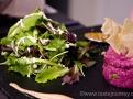 Soulad chutí doplňuje čerstvý salát