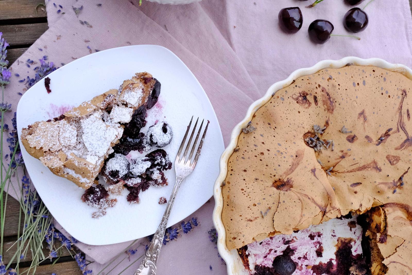 Třešňový koláč od Bodamského jezera je dokonalou lahůdkou
