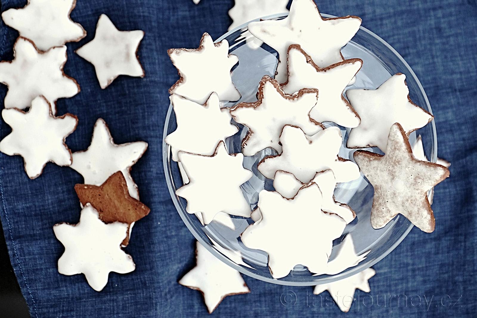 Perníkové hvězdy s výrazným kořením