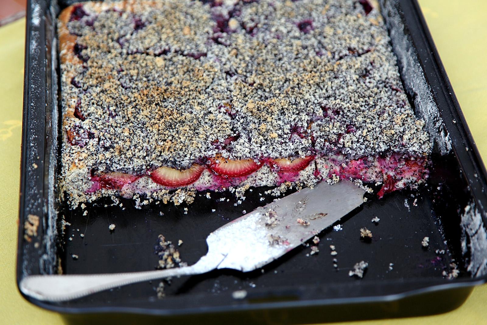 Na žmolenku použijte také mletý mák, znásobí dobré chutě koláče