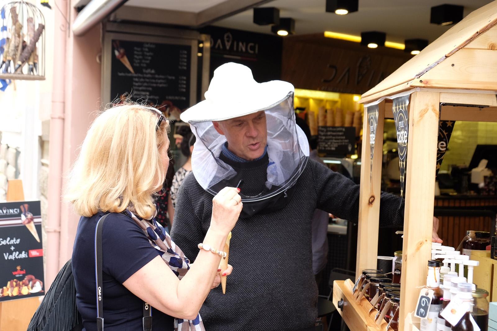 Řecký med od Angličana získávaným nomádským způsobem