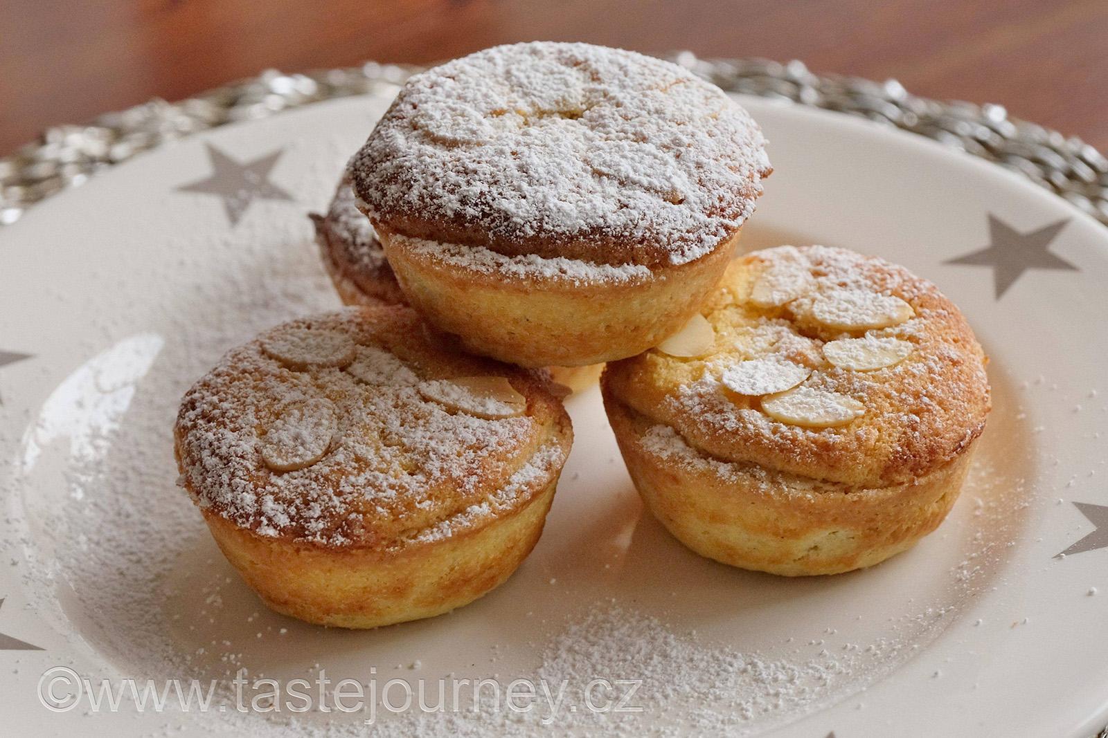 Britové už dávno oželeli sněhobílé Vánoce, ale bez koláčku mince pie Vánoce nemohou být
