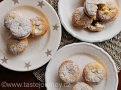 Tradiční vánoční cukroví v Británii mandlové mince pie