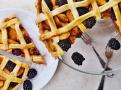 Ostružiny a jablka v mřížkovém koláči