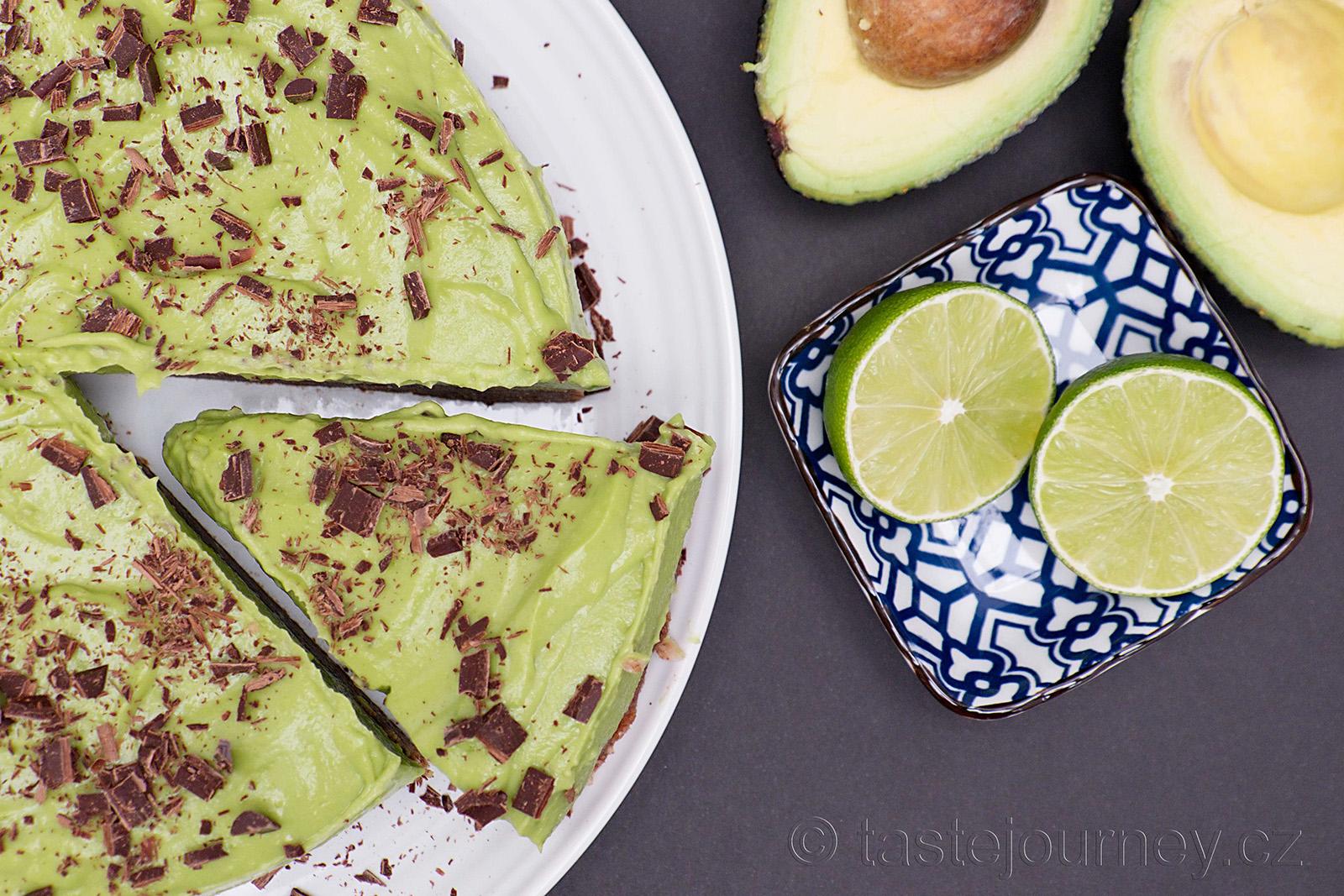 Nepečený avokádový dort s limetkou