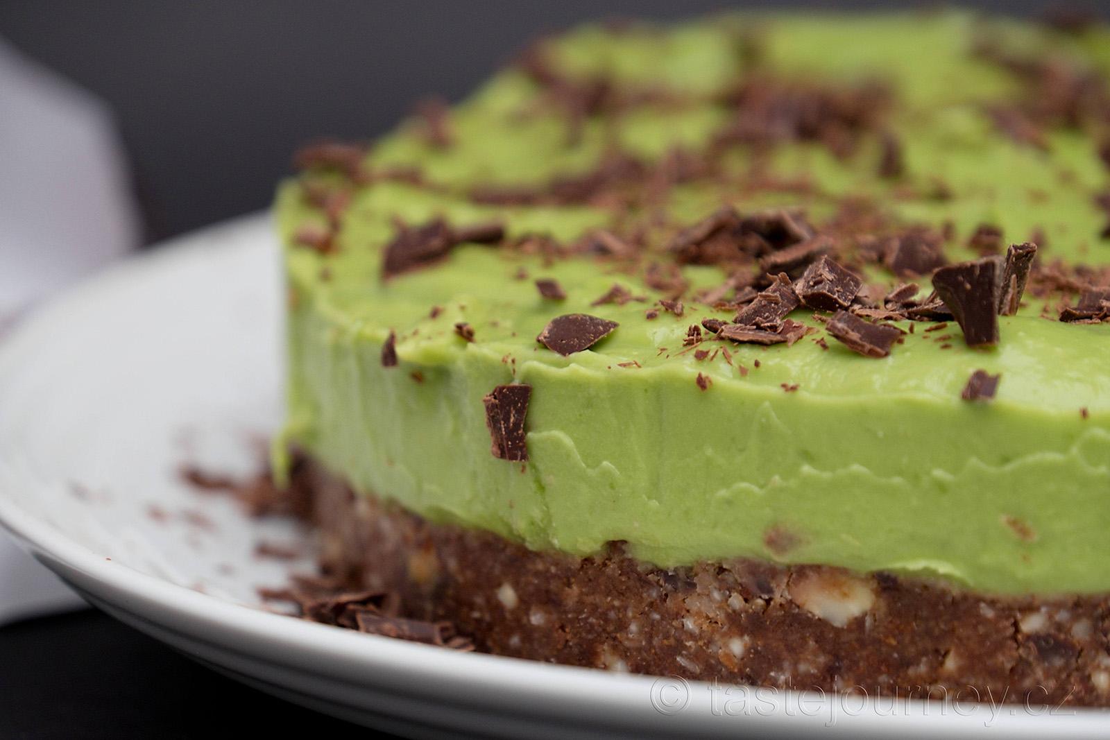 Kokosový olej udrží krásně strukturu nepečeného dortu
