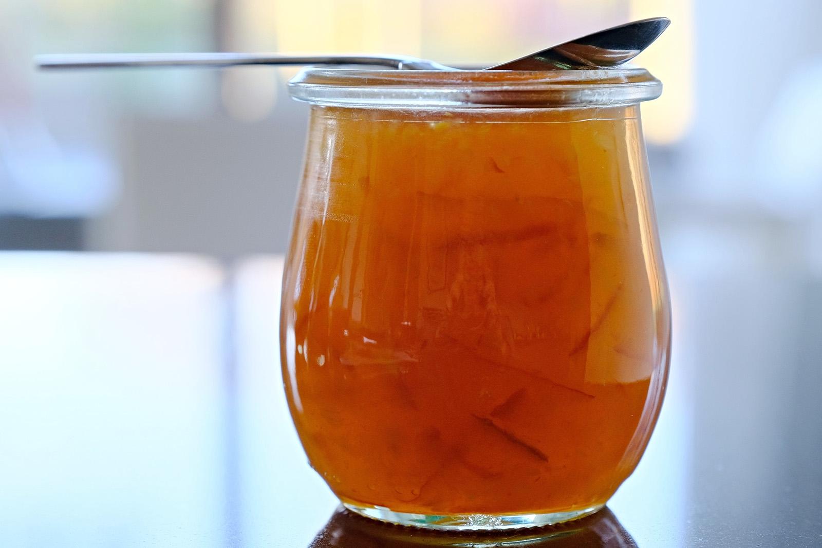 Ikonická pomerančová marmeláda typická pro Brity