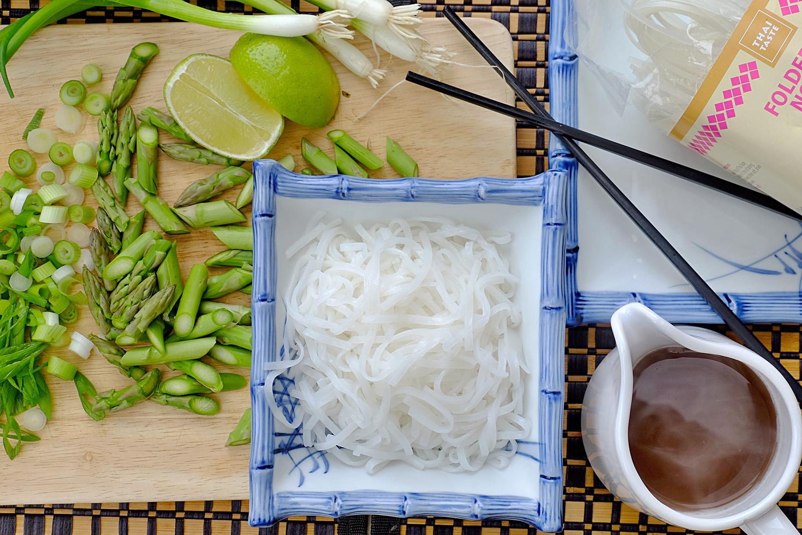 K polévce pho patří rýžové ploché nudle pho