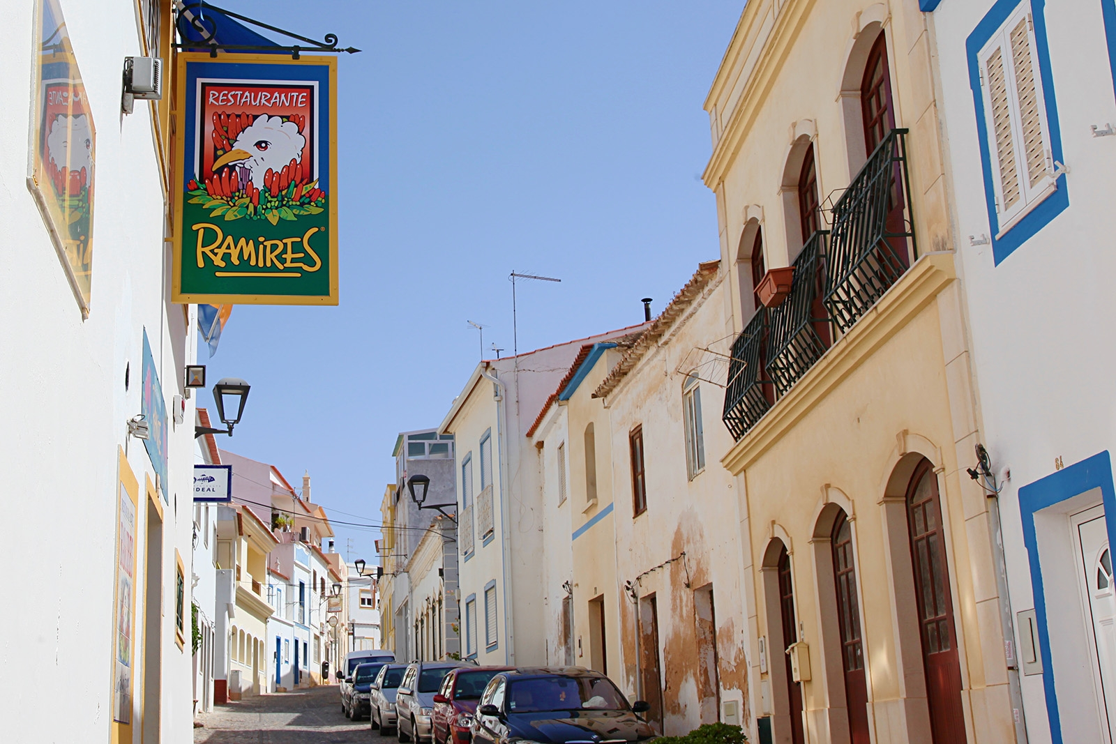 Vyhlášená restaurace Ramires u Albufiery v Guia
