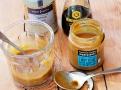 Miso pasta, sezamová pasta tahini a sojová omáčka k dochucení miso polévky