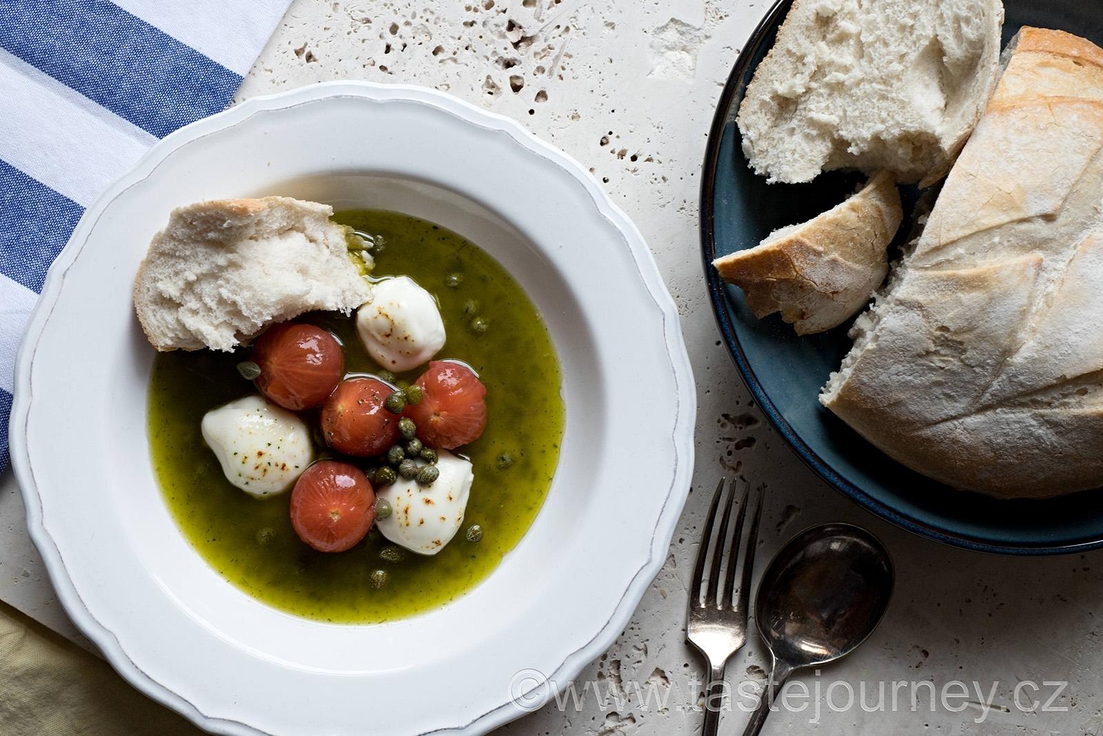 Podáváme s bílým chlebem, který namáčíme do tymiánového oleje