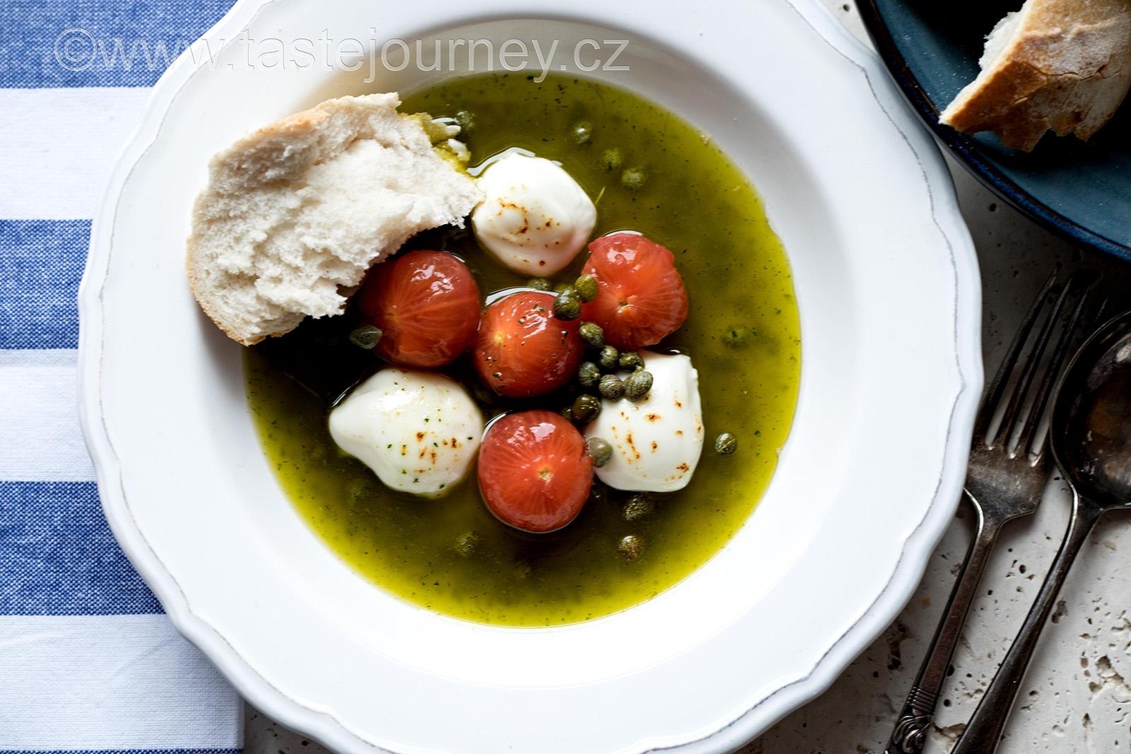 Medově glazovaná rajčata s tymiánovým oljem  a kozím sýrem