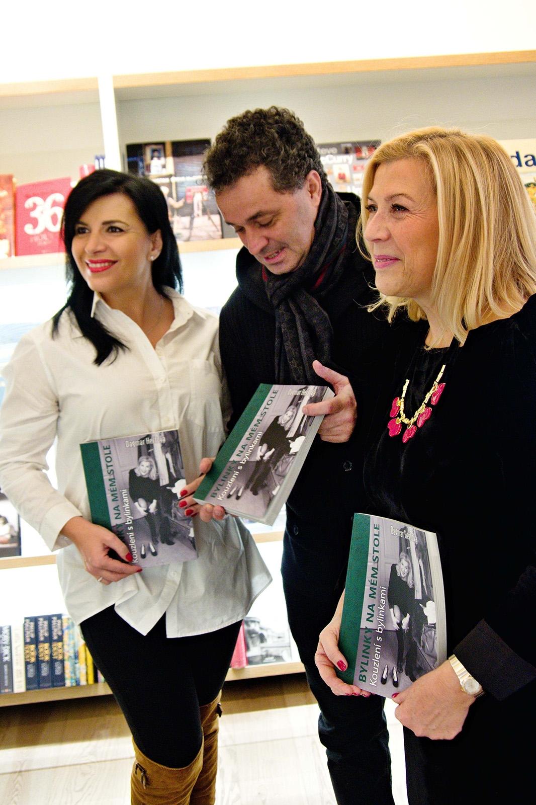 Kmotry knihy byli Martin Dejdar, Andrea Kalivodová a Kate Matl