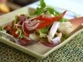 Nutričně nabitý thajský salát z mořských plodů a ryby
