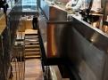 Drak na stropě naznačuje nejen čínské porkmy