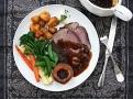 Sunday Roast jako nedělní pečínka je tradičním britským pokrmem