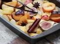 Naložené ovoce připravené k částečnému sušení