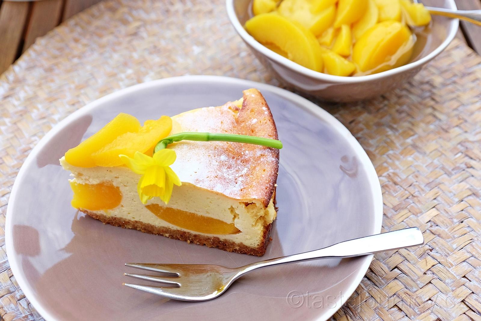 Perfektní velikonoční dort s broskvemi