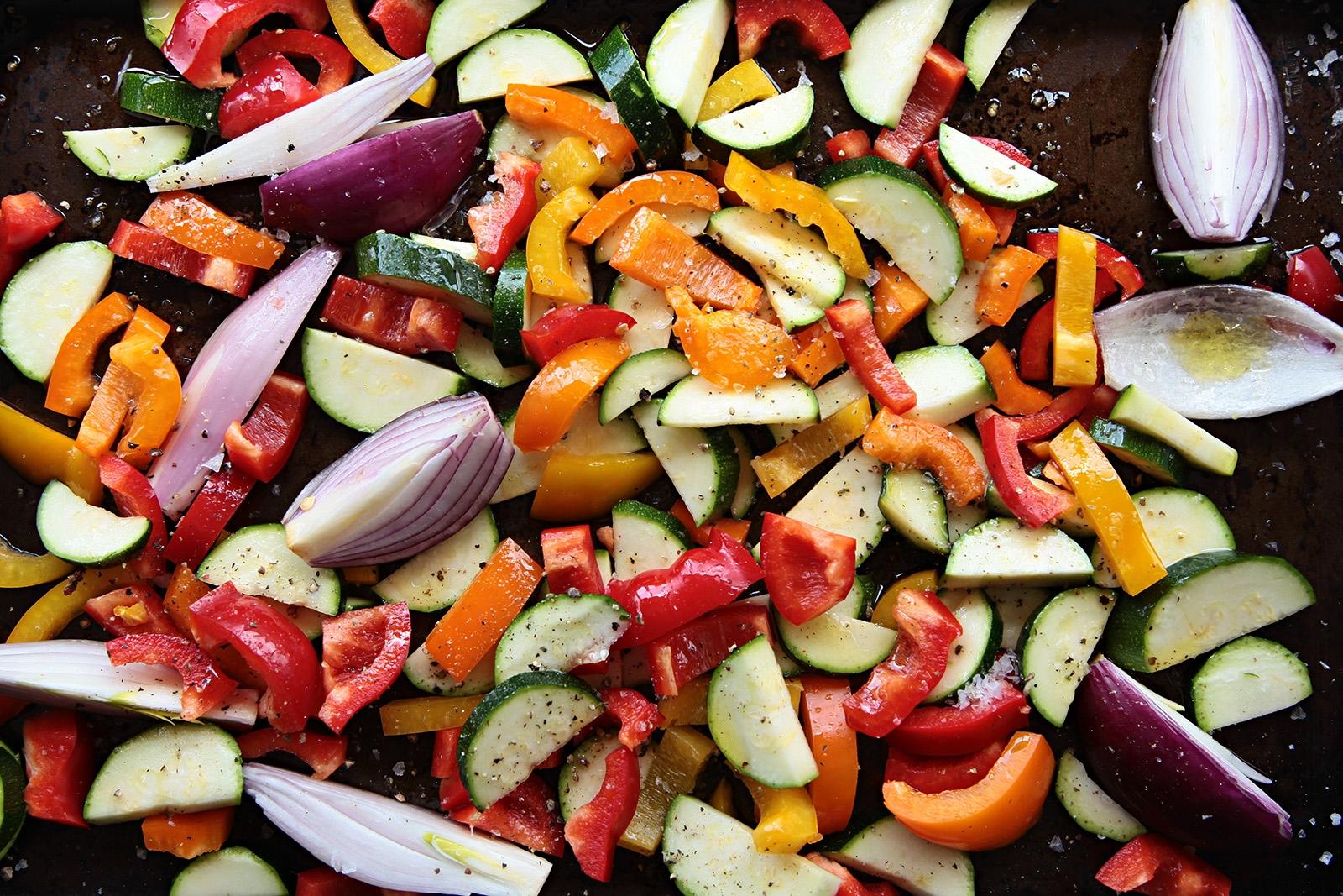 Zeleninu nejdříve upečte v olivové lázni