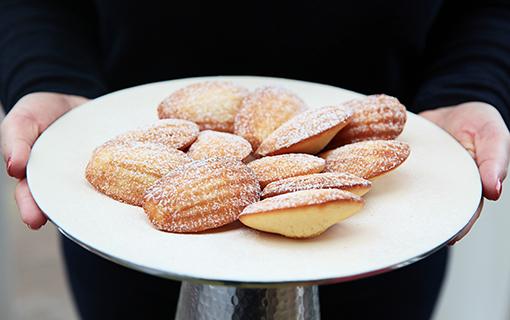 Madlenky. Francouzsky šarmantní baculaté koláčky