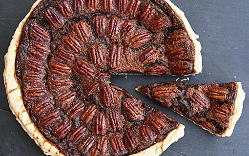 Pecan pie – americký ořechový koláč, lahodná chuť, které neuniknete ani o Vánocích