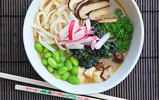 Tradiční japonská polévka miso. Jemný samuraj útočí na vaše chutě!