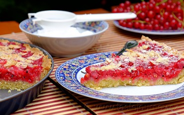 Rybízový koláč s mandlemi – rybíz v luxusním obalu