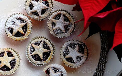 Britské koláčky mince pie s brusinkovou náplní s vůní pomerančů