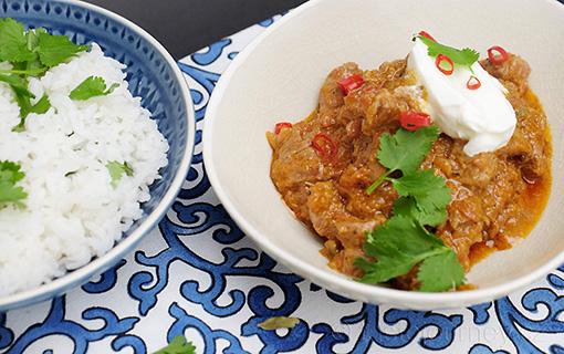 K jaru patří jehněčí kari s kardamomem a koriandrovou rýží