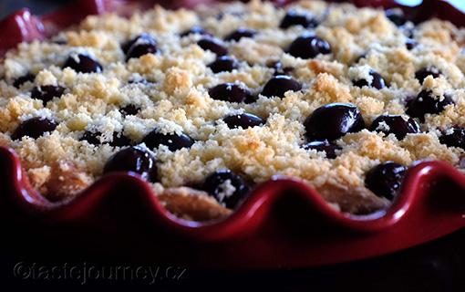Bublanina s třešněmi –tradiční recept na letní ovocný koláč